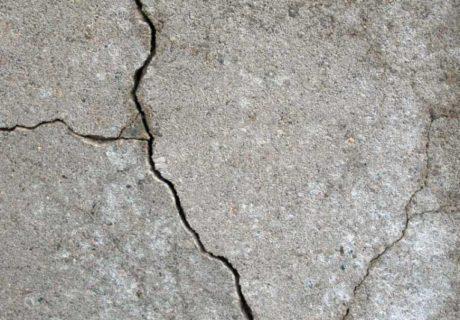 Трещины в бетоне – причины и как устранить?