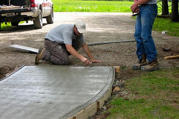 дорожка из цементного раствора