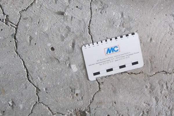 Трещинки на бетоне самовыравнивающиеся бетонные смеси