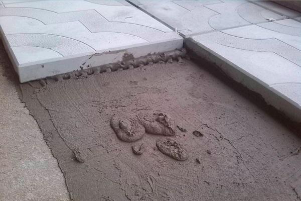 Как приготовить раствор для тротуарной плитки