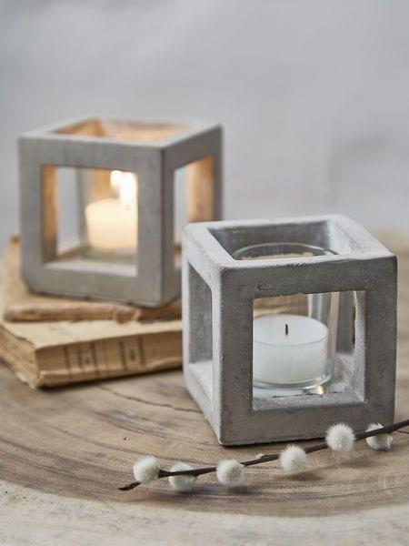 Бетонные или гипсовые декоративные изделия, вазы на стол, подсвечники, статуэтки и другое